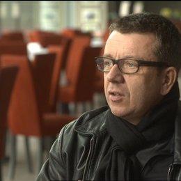 Peter Morgan (Drehbuch) über das Streben ein guter Mensch sein zu wollen - OV-Interview Poster