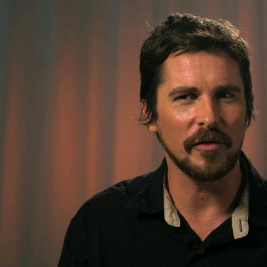 Christian Bale - Irving Rosenfeld -  über Irvings Leidenschaft für Kunst - OV-Interview