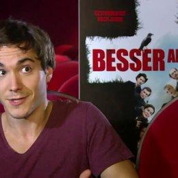 François Goeske (Tom) über Wofür steht Olga im Film, welche Bedeutung trägt sie - Interview Poster