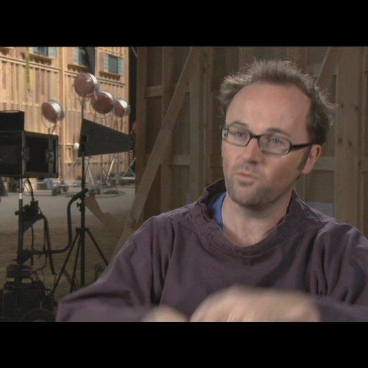 Rupert Wyatt (Regisseur) über das was diesen Film von den anderen Planet der Affen Filmen unterscheidet - OV-Interview Poster