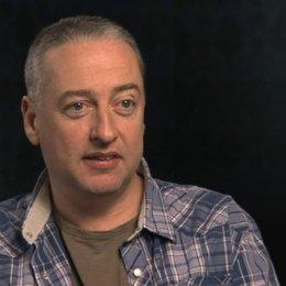 Seamus McGarvey über die Vorteile in einer Theaterumgebung zu drehen - OV-Interview Poster