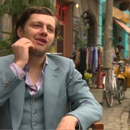 CHRISTIAN FRIEDEL - Andrej - über die Freundschaft der Jungs - Interview Poster