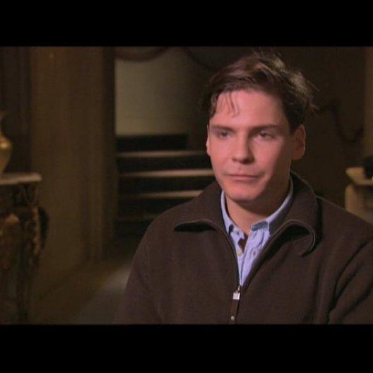 Daniel Brühl über die Zusammenarbeit mit Christoph Walz - Interview