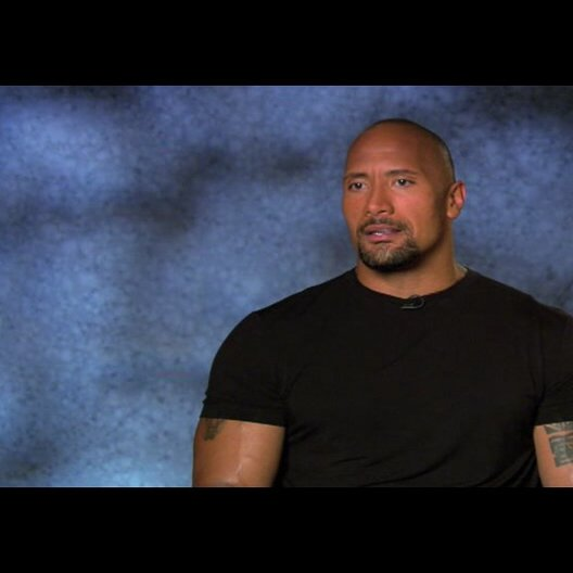 "Dwayne Johnson - ""Christopher Danson"" über Motivationen diesen Film zu machen - OV-Interview Poster"