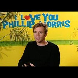 Ewan McGregor (Phillip Morris) über die Zusammenarbeit mit Jim Carrey - OV-Interview Poster