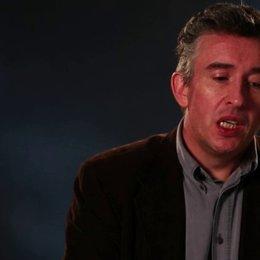 Steve Coogan - Martin Sixsmith - über die katholische Kirche - OV-Interview Poster