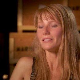 Gwyneth Paltrow - Pepper Potts - über Tony Stark bzw Iron Man als Filmheld - OV-Interview