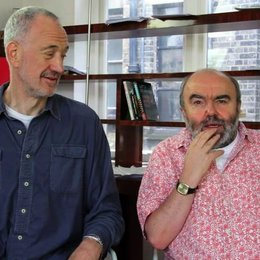 Guy Jenklin und Andy Hamilton über den Vorteil zu zweit Regie zu führen - OV-Interview Poster