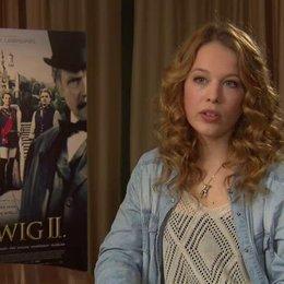 Paula Beer über den gesellschaftlichen Druck, unter dem Ludwig und Sophie standen - Interview
