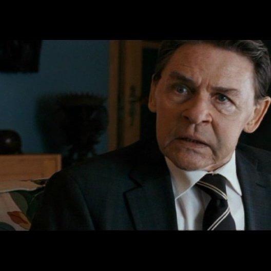 Mikael treibt die Ermittlungen zum Komplott gegen Lisbeth voran - Szene Poster