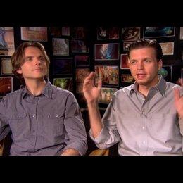 NATHAN GRENO und BYRON HOWARD - Regisseure / über die Action im Film - OV-Interview Poster