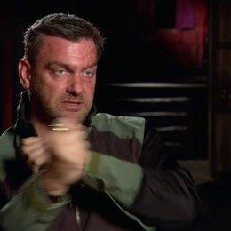 Ray Stevenson (Firefly) über die Gun-Kata Kampftechnik - OV-Interview Poster