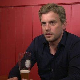 Sebastian Bezzel - Franz Eberhofer - über Eisi Gulp - Interview
