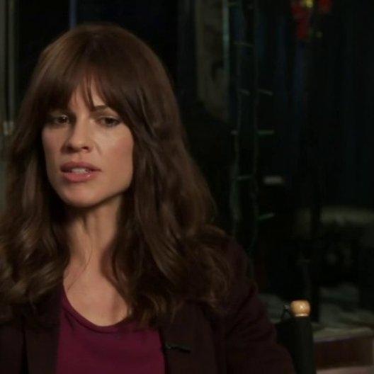 Hilary Swank über ALS, über fröhliche Momente im Film, über die Botschaft des Films - OV-Interview Poster