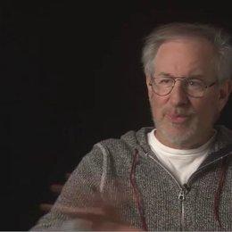 STEVEN SPIELBERG - Produzent - über seine Anfänge als Filmemacher - OV-Interview Poster