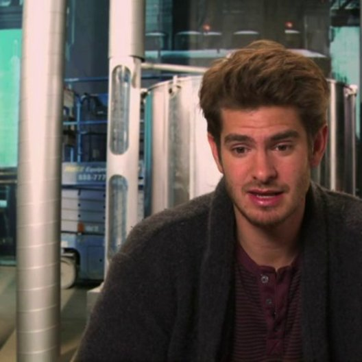 Andrew Garfield über die Figur Spider-Man in diesem Film - OV-Interview Poster