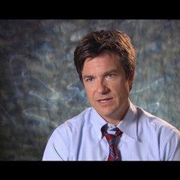 Jason Bateman ueber die Arbeit mit zwei Regisseuren - OV-Interview