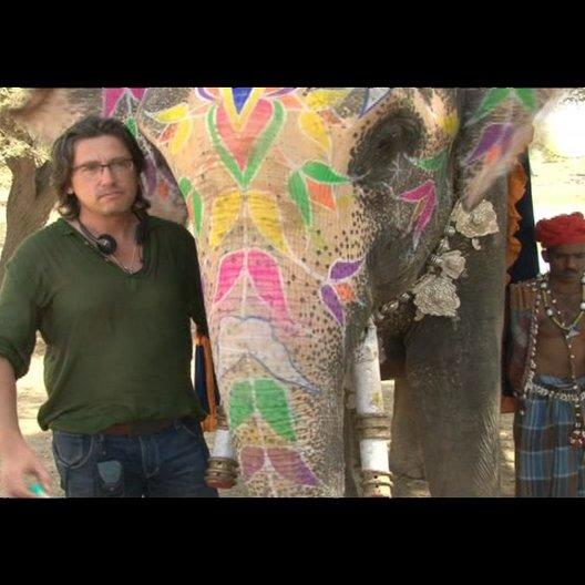 Michael Coldewey (Produzent) über die Dreharbeiten in Indien - Interview Poster