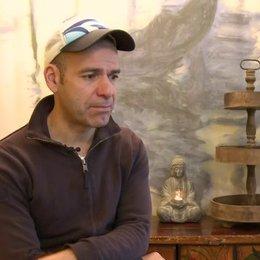 Mike Marzuk - Regisseur - über die Stuntherausforderungen im Film für die Darsteller - Interview Poster