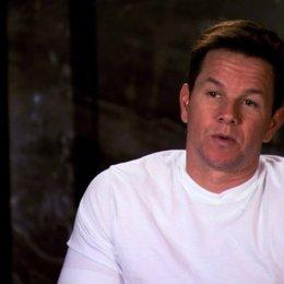 Mark Wahlberg über die Begegnung von John mit Ted - OV-Interview Poster
