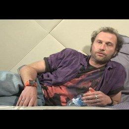 Francois Damiens über sein Spiel - OV-Interview Poster