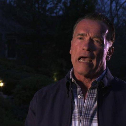 Arnold Schwarzenegger über seine Rolle - OV-Interview Poster
