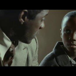 Mandela mit seinem Sohn - Szene Poster