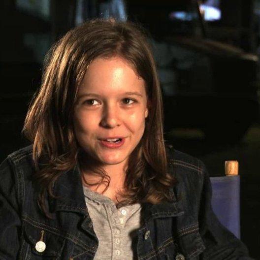 Isabella Vidovic - Maddy Broker - über ihre Szenen mit Jason Statham - OV-Interview Poster