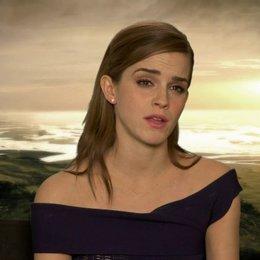 Emma Watson - Ila - über Douglas Booths Rolle Shem - OV-Interview Poster