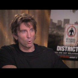 Sharlto Copley über seine Rolle - OV-Interview Poster