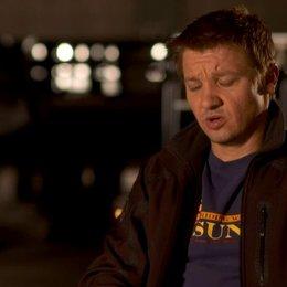 Jeremy Renner - Clint Barton - Hawkeye über Regisseur Joss Whedon - OV-Interview Poster