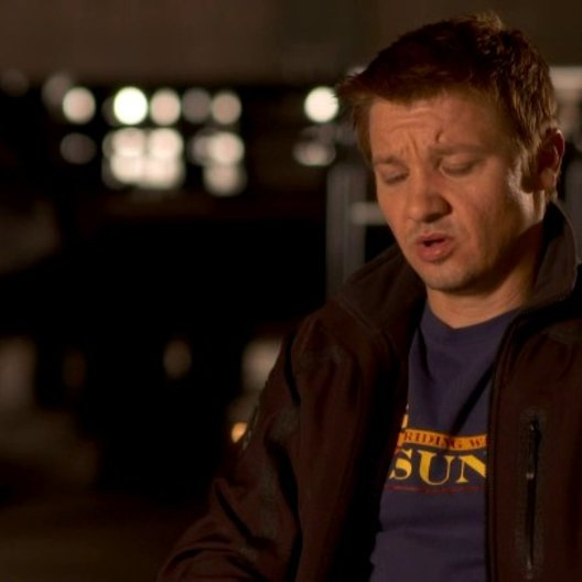 Jeremy Renner - Clint Barton - Hawkeye über Regisseur Joss Whedon - OV-Interview