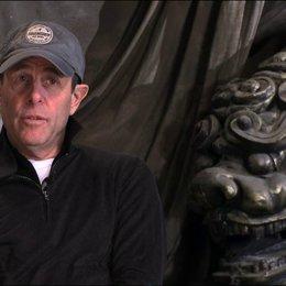 Marc Abraham über Russell Crowe - OV-Interview Poster