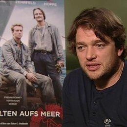 Ronald Zehrfeld (Matthias Schönherr) über die Geschichte und seine Rolle - Interview Poster