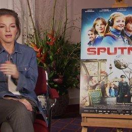 Yvonne Catterfeld über ihre Zeit in der DDR - Interview Poster