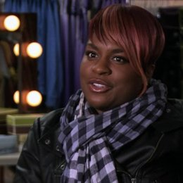 Ester Dean über Cynthia Rose - OV-Interview