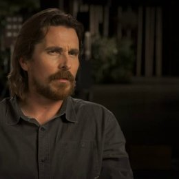 Christian Bale über Aaron Paul - OV-Interview