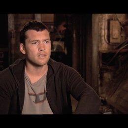 Worthington über seine Rolle - OV-Interview Poster