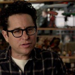 JJ Abrams - Regisseur - über die Zusammenarbeit mit Benedict Cumberbatch - OV-Interview Poster