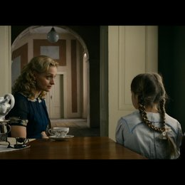 Helga Reich warnt ihre Tochter Hanna vor dem Kontakt zu den jüdischen Wunderkindern - Szene
