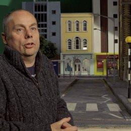 Mark Burton - Regisseur - darüber warum Shaun bei Jung und Alt so beliebt ist - OV-Interview Poster