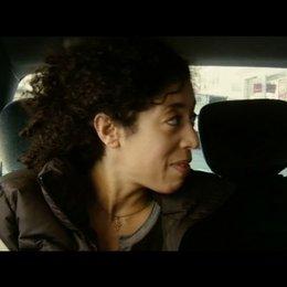 Einsatz von Nora und Fred mit einer jugendlichen  Straftäterin - Szene