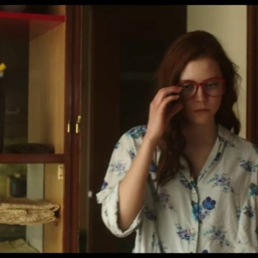 Maria entdeckt, wie der Luxreflektor funktioniert - Szene Poster