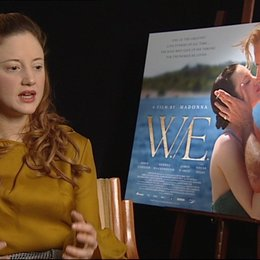 Andrea Riseborough -Wallis Simpson- über den Look des Films - OV-Interview Poster