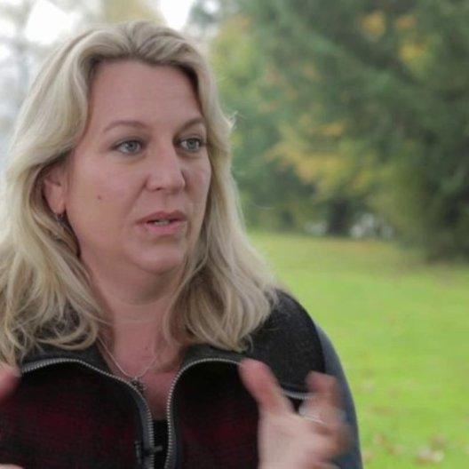 Cheryl Strayed darüber mit dem Prozess des Filmemachens in Verbindung zukommen - OV-Interview Poster