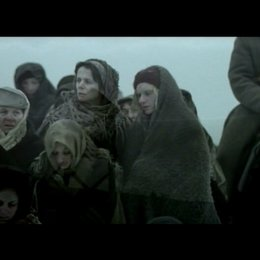 Weibliche Gefangene auf dem Weg durch die Taiga - Szene