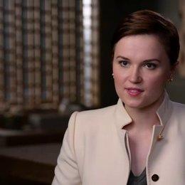 Veronica Roth - Autorin - über das Casting von Shailene Woodley als Tris - OV-Interview