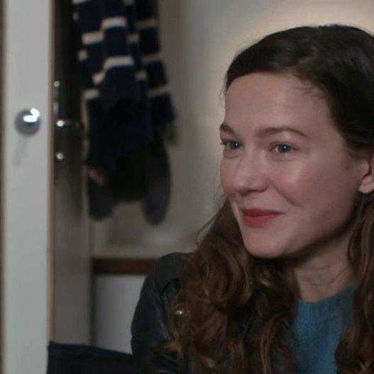 Hannah Herzsprung (Marie) über Trine Dyrholm - Interview Poster