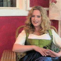 Diana Amft - Ottilie Giesecke - über ihren Lieblingssong im Film - Interview Poster