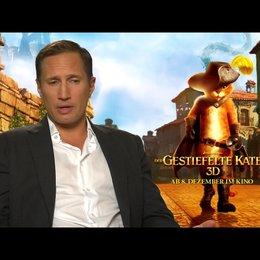 Benno Fürmann - deutsche Stimme DER GESTIEFELTE KATER - über seine Vertrautheit mit der Rolle - Interview Poster